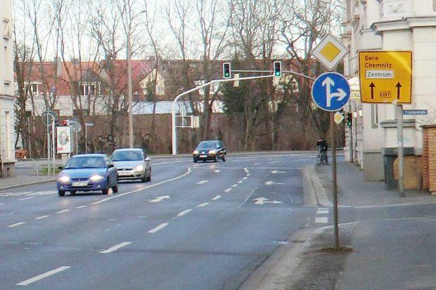 Sonntags etwas leerer: Blick von der Rödelstraße in Richtung Schleußiger Weg. Foto: Marko Hofmann