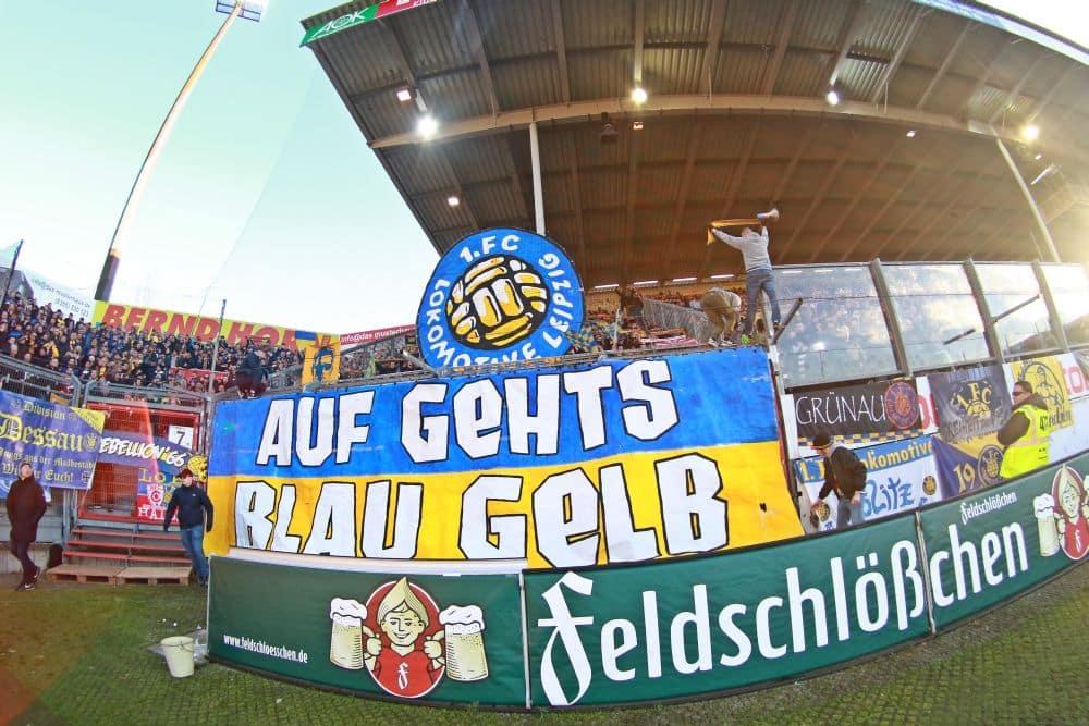 Fast 2.000 Fans begleiteten den 1. FC Lok in die Lausitz. Foto: Thomas Gorlt