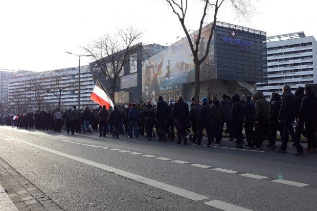 Am Neonazimarsch beteiligten sich etwa 1.000 Personen. Foto: René Loch