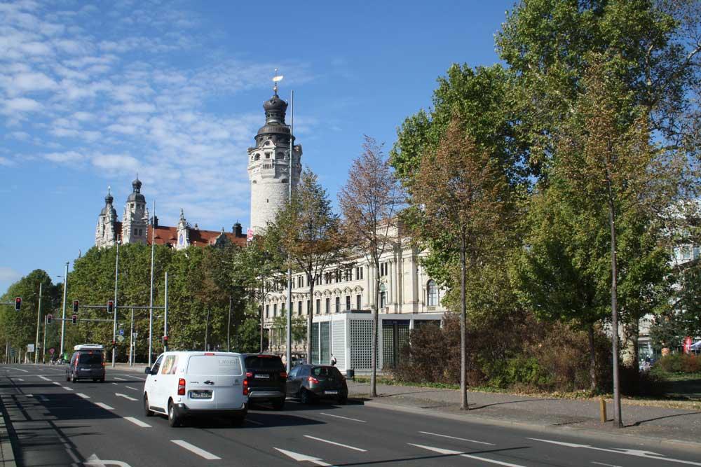Verkehr am Wilhelm-Leuschner-Platz. Foto: Ralf Julke