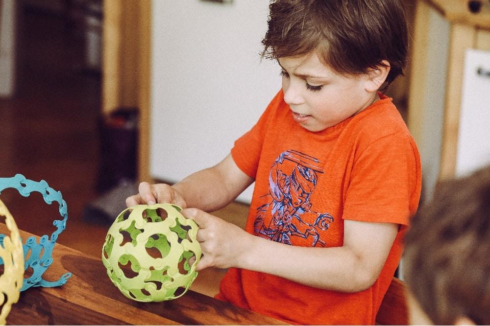 Binabo lässt der Fantasie alle Freiheiten. Ball oder Baum? Foto: Iona Dutz
