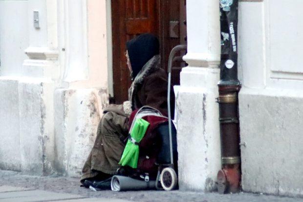 """Vereinzelt waren am gestrigen 23. März noch Obdachlose in der City anzutreffen. Doch selbst am """"Hotspot"""" Hauptbahnhof nicht mehr als drei. Foto: L-IZ.de"""