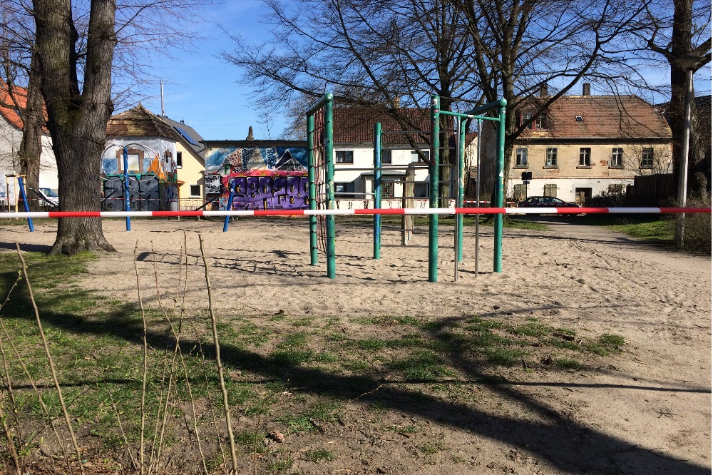 Abgesperrter Spielplatz in Liebertwolkwitz am 18. März. Foto: L-IZ.de