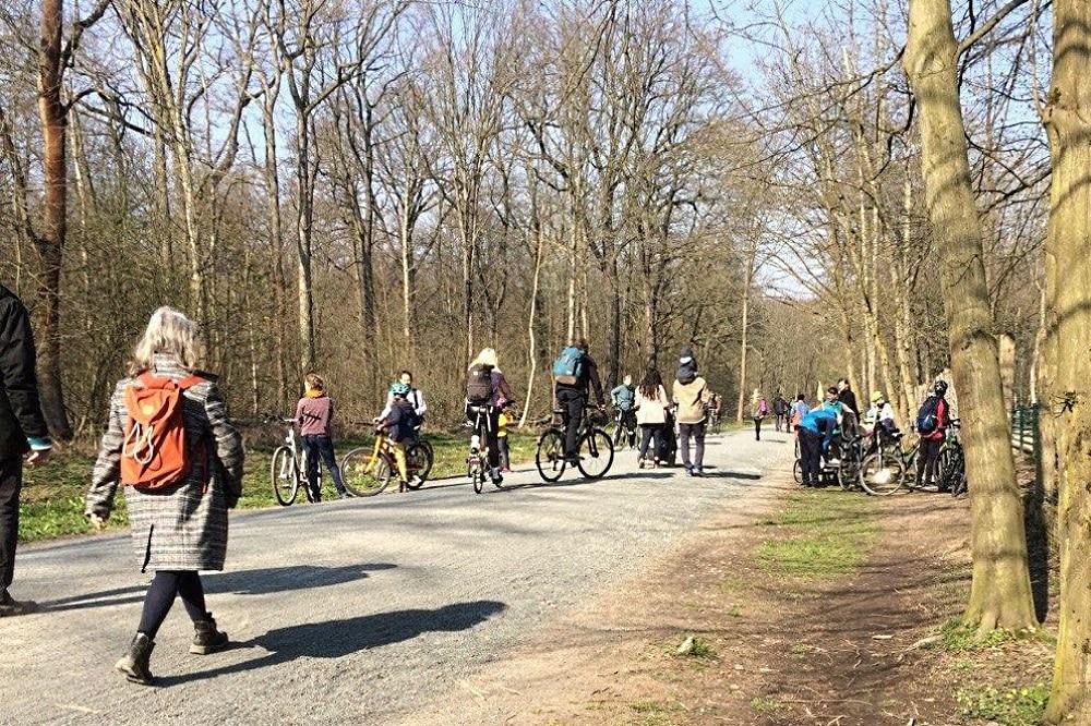 Alle wollen raus bei dem Wetter. Foto: L-IZ.de