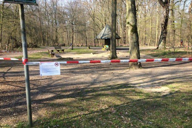 Drumherum tobt der Bär, der Spielplatz bleibt leer. Foto: L-IZ.de
