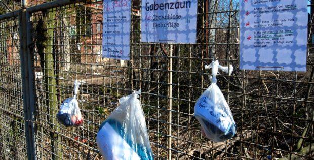 Ein Gabenzaun im Leipziger Westen. Sinnvoll? Das Gesundheitsamt sagt eher nein. Foto: L-IZ.de