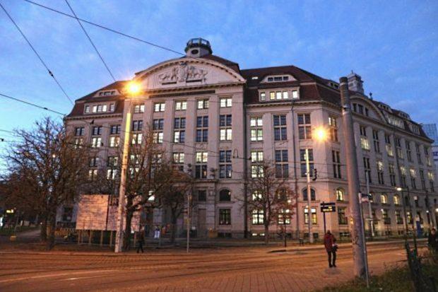 Finanzamt Leipzig am Wilhelm Liebknecht Platz. Foto: L-IZ.de