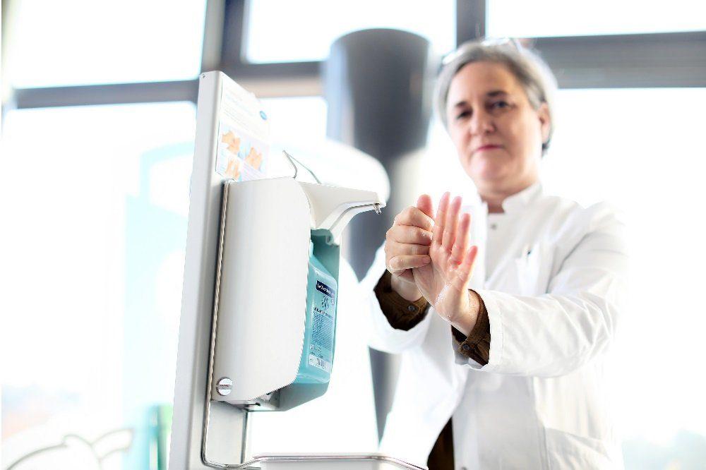 Priv.-Doz. Dr. Irit Nachtigall, Leitung der Krankenhaushygiene Helios Region Ost. Foto: Thomas Oberländer, Helios Kliniken