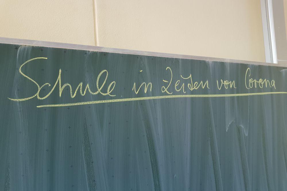 Die Tafel bleibt in Zeiten von Corona vorerst leer. Foto: Marko Hofmann