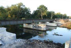 Abbruch der Bahnbrücke über die Weiße Elster bei Möckern. Foto: Ralf Julke