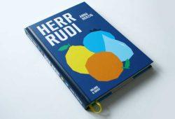 Anna Herzig: Herr Rudi. Foto: Ralf Julke