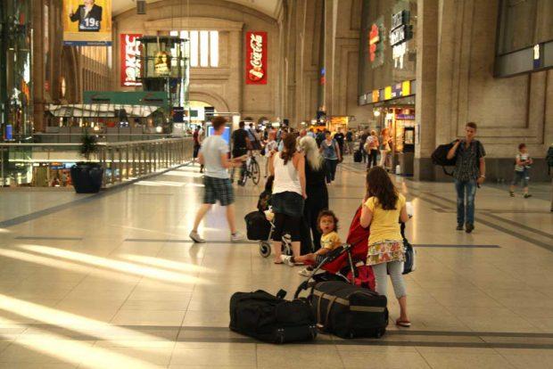 Querbahnsteig des Hauptbahnhofs Leipzig. Foto: Ralf Julke