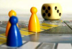 Wenn Menschen zu Spielfiguren werden ... Foto: L-IZ
