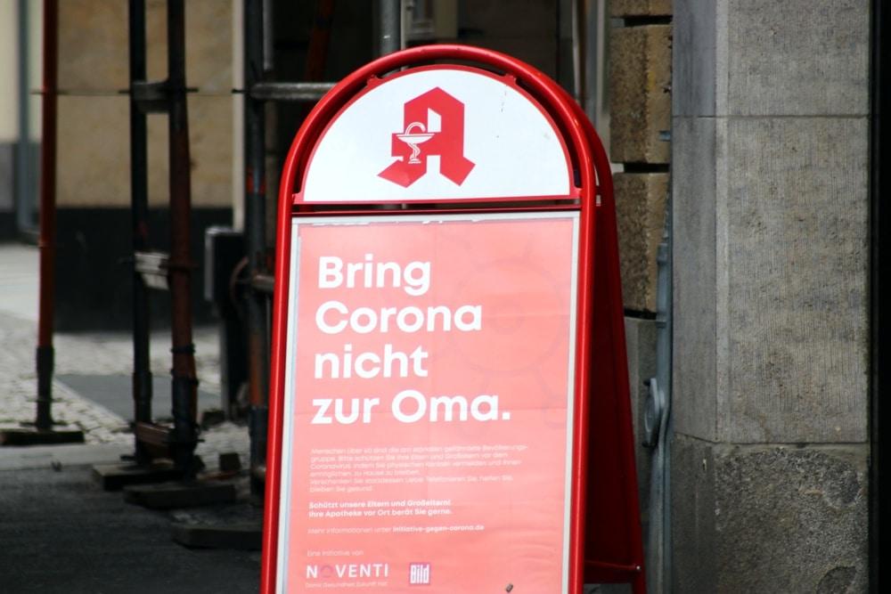 Sprüche rings um Corona (im Leipziger Zentrum). Foto: L-IZ.de