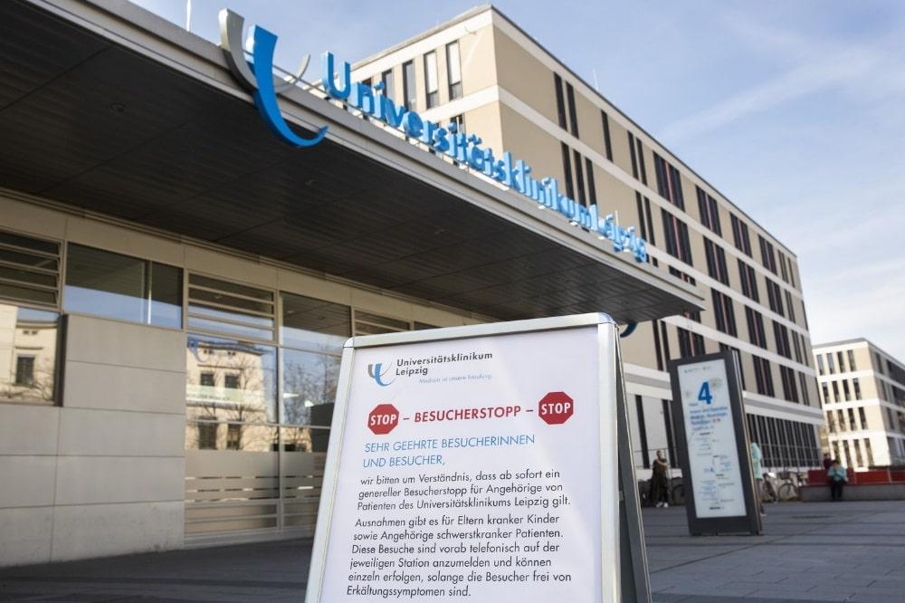 Seit dem 24. März wurden am Universitätsklinikum Leipzig zwei schwerstkranke Covid-19-Patienten aus dem italienischen Bergamo intensivmedizinisch behandelt. Nun ist einer der beiden Männer verstorben. Foto: Stefan Straube / UKL