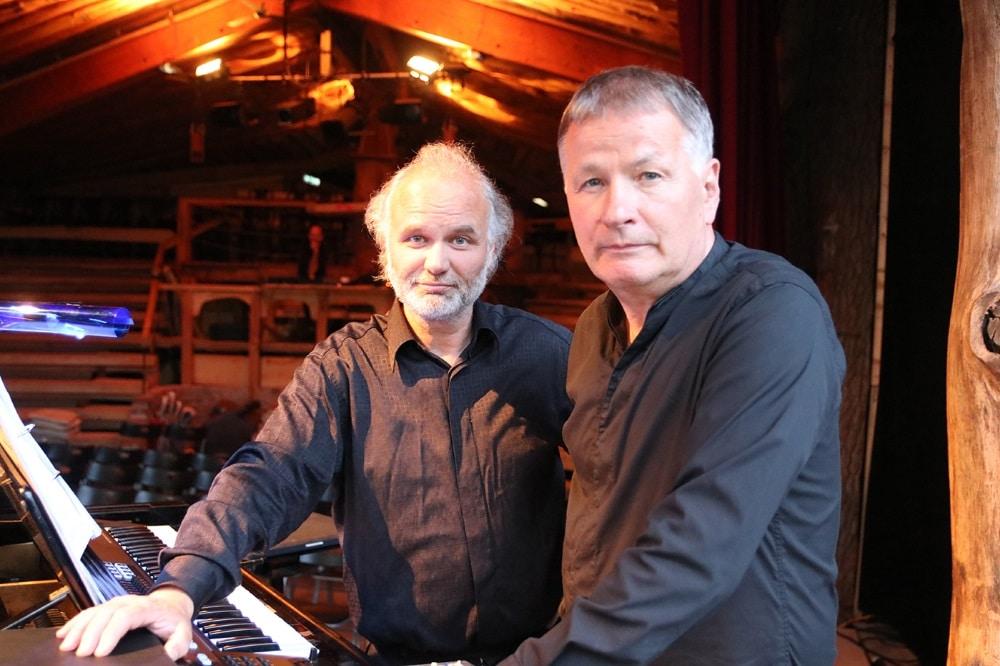 Tobias Morgenstern und Thomas Rühmann im Theater am Rand in in Zollbrücke im Oderbruch. Foto: Theater am Rand/ Wolfgang Rakitin