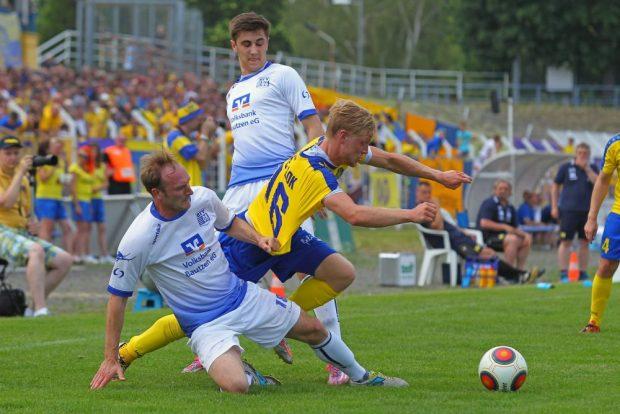 Hier hängt sich Ramon Hofmann noch für den 1. FC Lok voll rein. Foto: Jan Kaefer (Archiv)