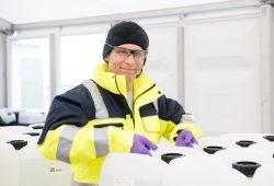 VERBIO-Geschäftsführer Dr. Wolfram Klein mit Desinfektionsmittelspende, © VERBIO