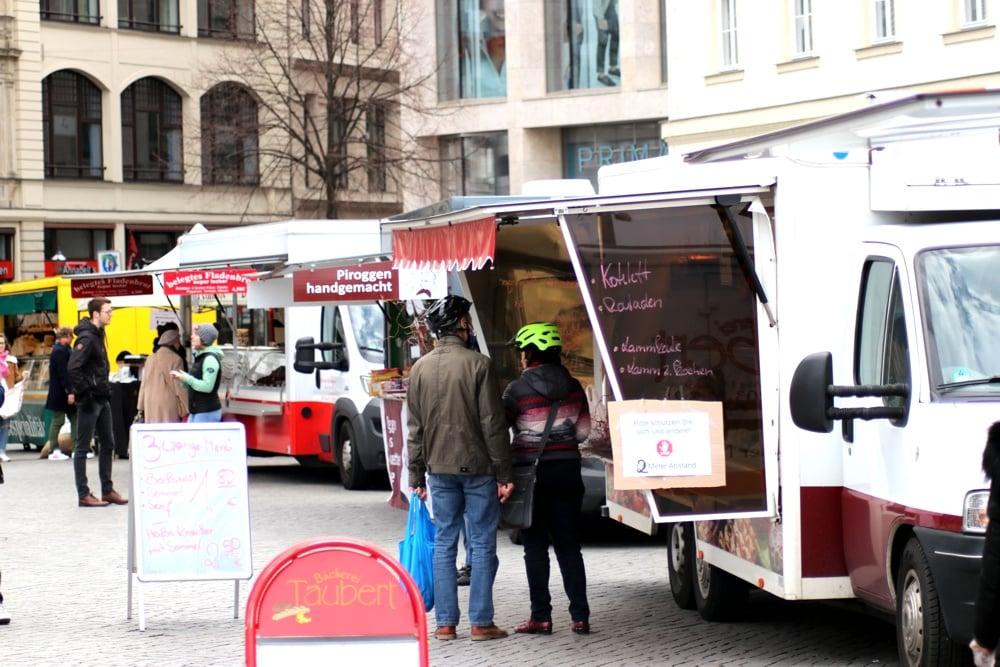 Der Leipziger Wochenmarkt auf dem Richard-Wagner-Platz. Foto. LZ