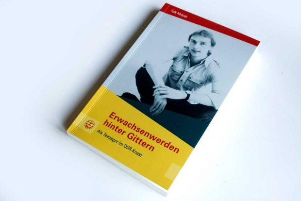 Falk Mrázek: Erwachsenwerden hinter Gittern. Foto: Ralf Julke