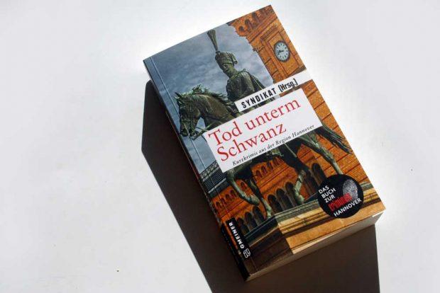 Syndikat (Hrsg.): Tod unterm Schwanz. Foto: Ralf Julke