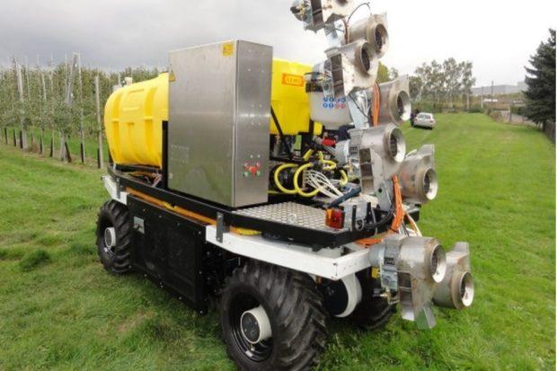 ELWOBOT, ein autonom fahrender Obst- und Weibauroboter © TU Dresden