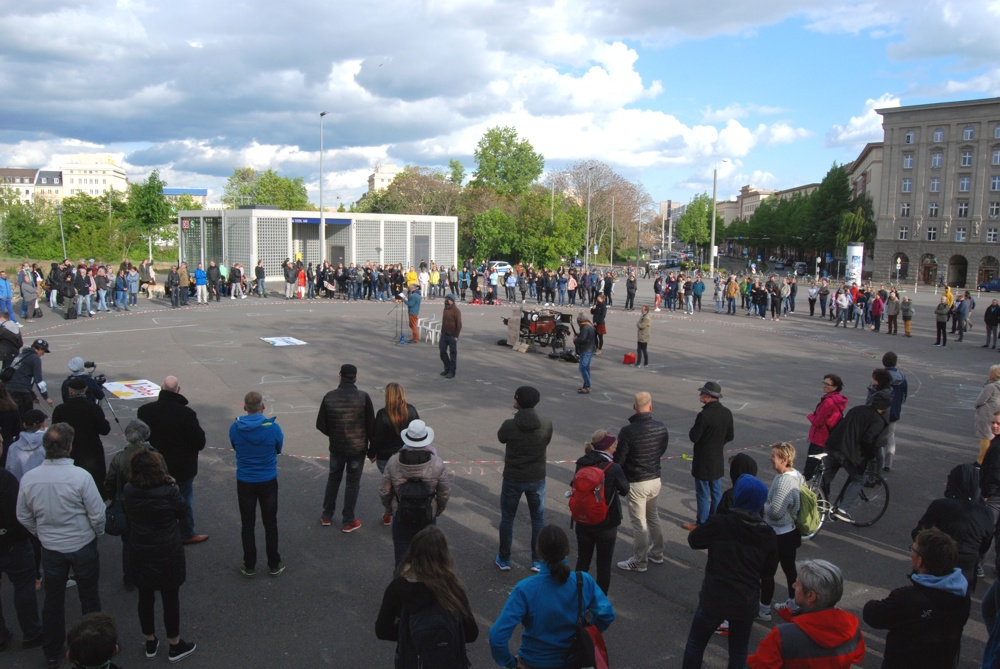 Die Corona-Demo am 5. Mai 2020 auf dem Leuschnerplatz. Foto: L-IZ.de