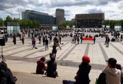 Ein linkes Bündnis demonstriert auf dem Augustusplatz für Arbeiter/-innen. Foto: René Loch
