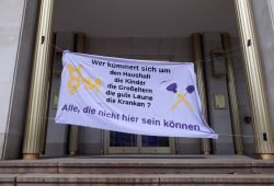 Transparent zur Kundgebung auf dem Augustusplatz am 1. Mai 2020. Foto: René Loch