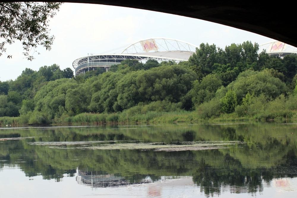 In der RB-Arena dürfen wohl bald wieder Fußballspiele stattfinden. Foto: L-IZ.de