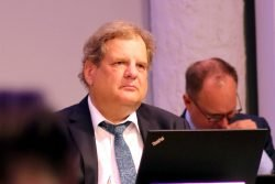 Sozialdezernent Thomas Fabian (SPD) am 20. Mai 2020 im Stadtrat. Foto: L-IZ.de