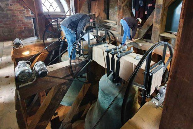 Die Abnahme des ersten Glockenstuhl-Bauabschnittes im Turm der Thomaskirche. Foto: Thomaskirche - Bach e.V.