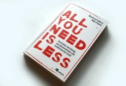Manfred Folkers, Niko Paech: All you need is less. Foto: Ralf Julke