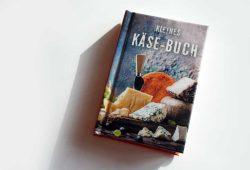 Ute Scheffler: Kleines Käse-Buch. Foto: Ralf Julke