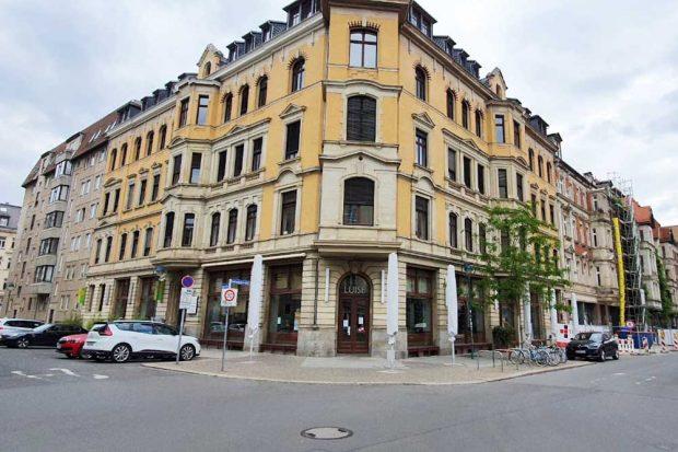 Vorm Café Luise wäre auch mehr Platz für die Freisitzfläche. Foto: Tim Elschner