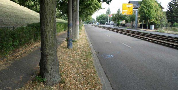 Die Prager Straße am Völkerschlachtdenkmal. Foto: Ralf Julke