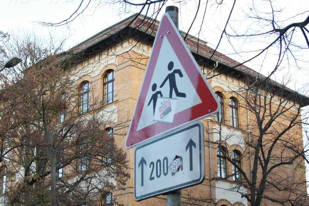 Vorsicht, Schule! Foto: Ralf Julke
