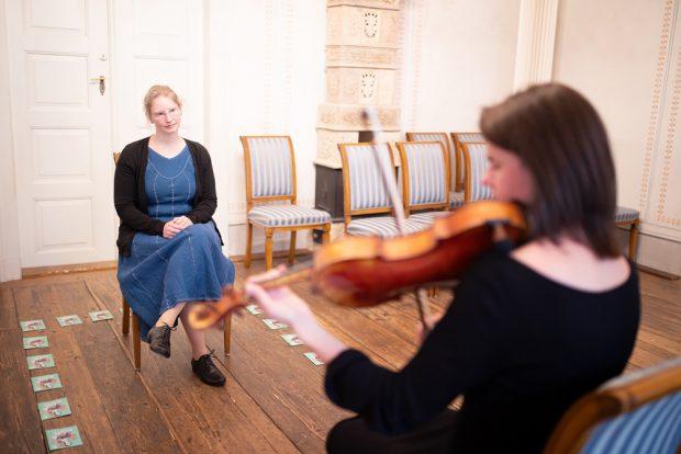 Start im Schumann-Haus mit Gewandhaus-Musikerin Anne Wiechmann-Milatz. Foto: Anne Schwerin