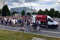 Vorrangig junge Menschen protestierten gegen PEGIDA in Dresden. Foto: Luise Mosig