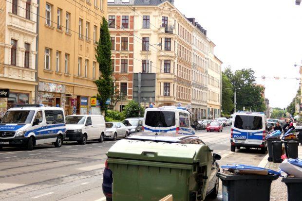 Einsatz und Hausdurchsuchungen in 9 Objekten, darunter im Leipziger Süden. Foto: L-IZ.de