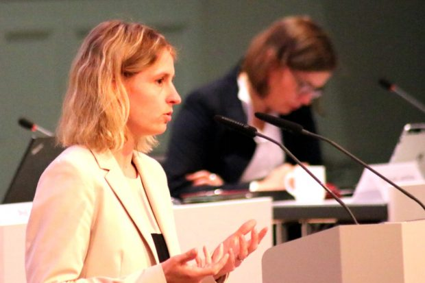 Franziska Riekewald (Linke) argumentierte aus Sicht der Auslastung im Waldstraßenviertel gegen das Bewohnerparken im Zweitwohnsitz. Foto: L-IZ.de