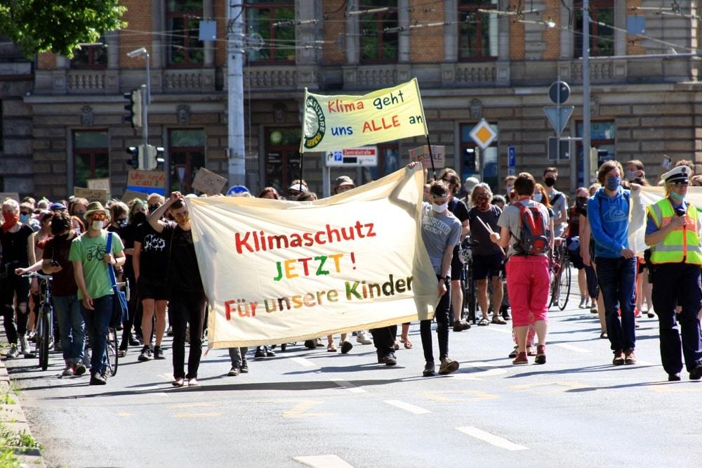 Fridays for Future wieder mit einer Demo trotz Coronakrise in Leipzig unterwegs. Foto: L-IZ.de