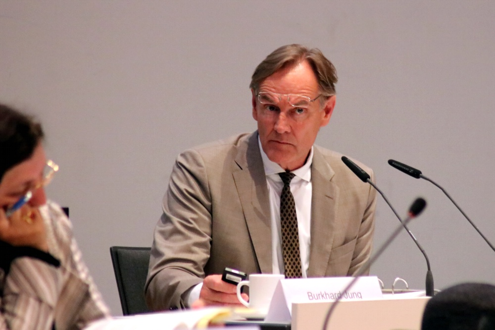 Oberbürgermeister Burkhard Jung (SPD) im Stadtrat. Foto: L-IZ.de
