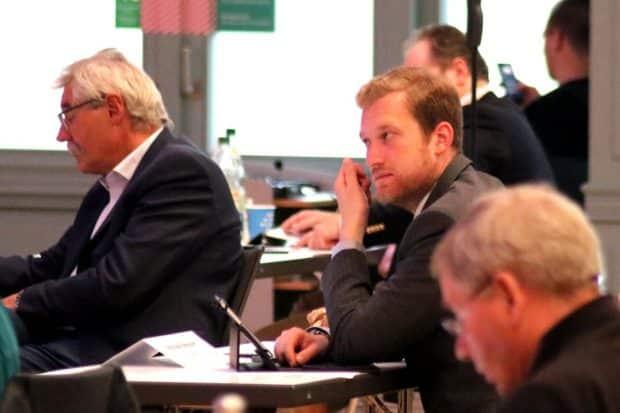 Auch Michael Weickert (CDU) traute seinen Ohren bei Ulbrichs Vortrag nicht. Foto: L-IZ.de