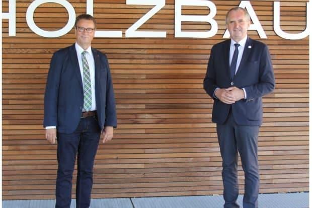 Minister Peter Hauk und Staatsminister Thomas Schmidt beim Erfahrungsaustausch in Ostfildern (von links) © MLR