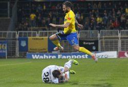 Überspringt Lok auch die letzte Hürde zur 3. Liga? Foto: Jan Kaefer