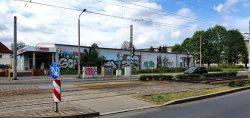Die alte Konsum-Kaufhalle in der Zwickauer Straße soll durch einen Neubau ersetzt werden. Foto: Tim Elschner