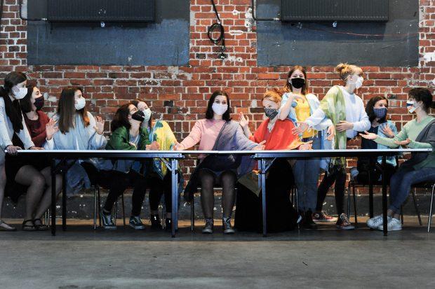 Jugendtheaterprojekt in der Kulturfarbrik: Portrait eines Planeten. Foto: Mim Schneider