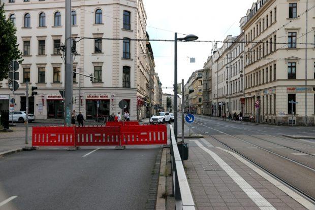 Ab Höhe Thomasiusstraße ist der Weg auf dem Ranstätter Steinweg bis ins Zentrum versperrt. Der Verkehr wird durchs Viertel geleitet. Foto: L-IZ.de