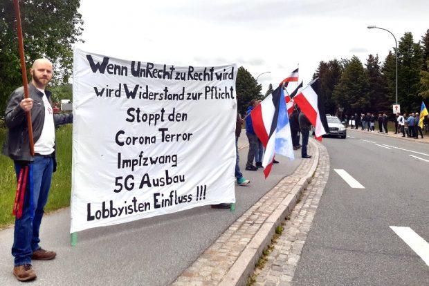 Corona-Demonstration an der B96. Foto: Luise Mosig